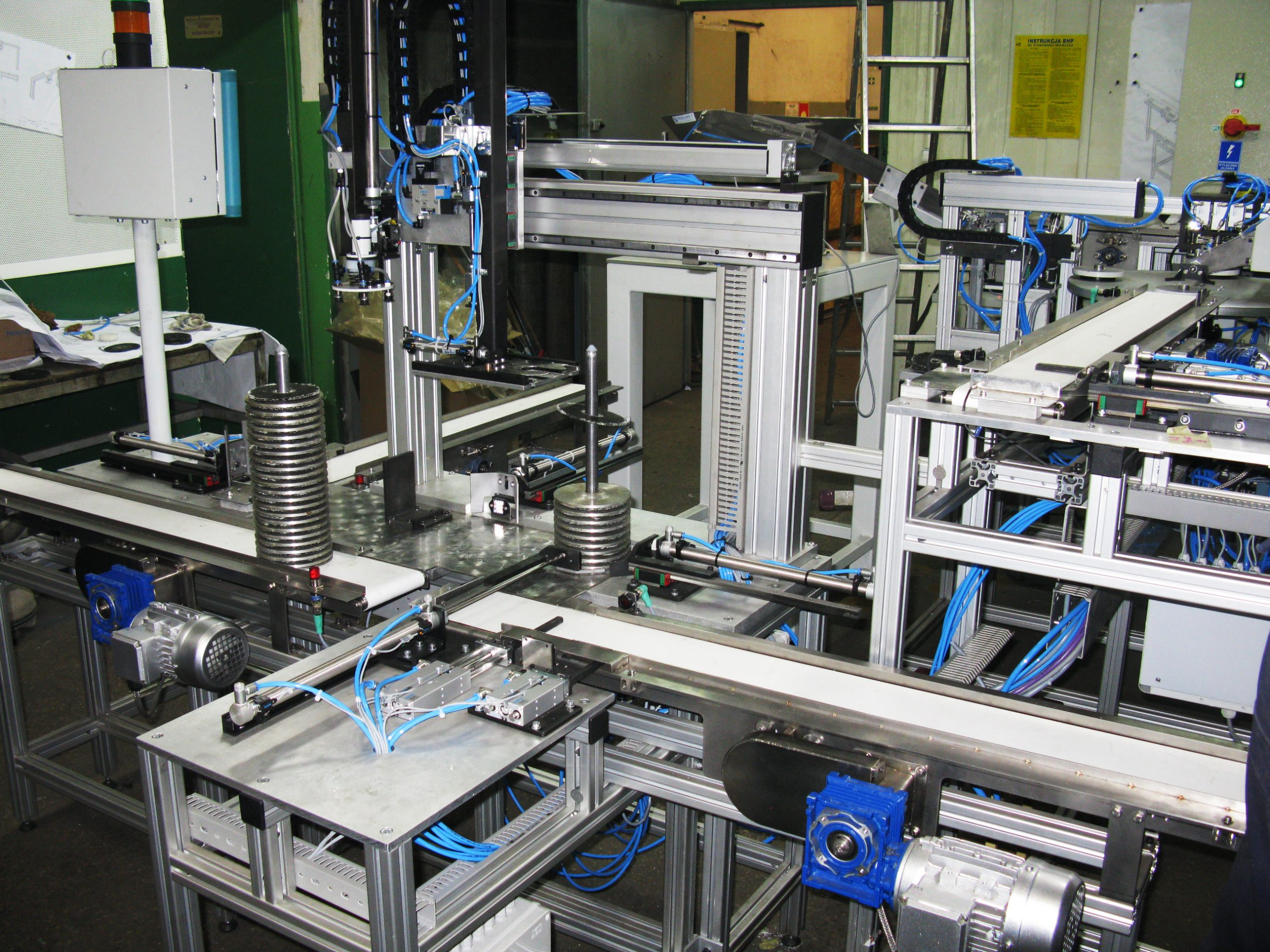 """<span  class=""""uc_style_uc_tiles_grid_image_elementor_uc_items_attribute_title"""" style=""""color:#ffffff;"""">Assembly line of grinding wheels - Retrofitting based on the SIMATIC S7-300 PLC controller. </span>"""
